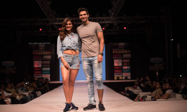 Day 1 : Glitz and Glamour galore at the glittering setting of 'THE GREAT INDIAN FASHION WEEK' 2017 at The Great India Place, Noida